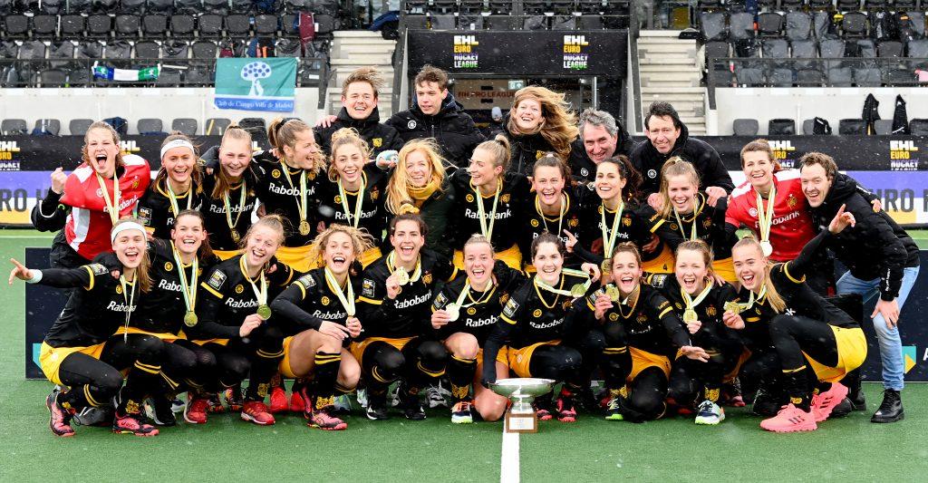 Amstelveen - Euro Hockey League Final4 2020-2021 Final: HC 'S Hertogenbosch - Club de Campo Villa de Madrid HC 's Hertogenbosch win the first Women's EHL season. Photo: Den Bosch celebrate the title. Marloes keetels with the cup. WORLDSPORTPICS COPYRIGHT FRANK UIJLENBROEK